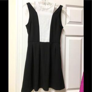 Gorgeous Jack cold 🥶 shoulder fit & flare dress!